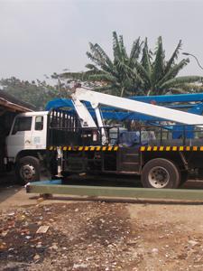 mobil crane 20 meter