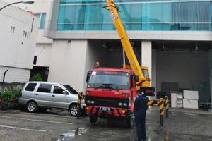 tarif mobil crane 24 meter