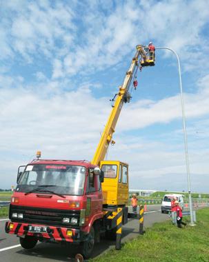 mobil crane 24 meter